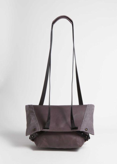 PAN_darktaupe_shoulderbag_front